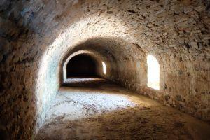 Préveza, Fort Pantokrátor: Geschützkasematte in der seeseitigen Enveloppe (Foto: Verfasser)